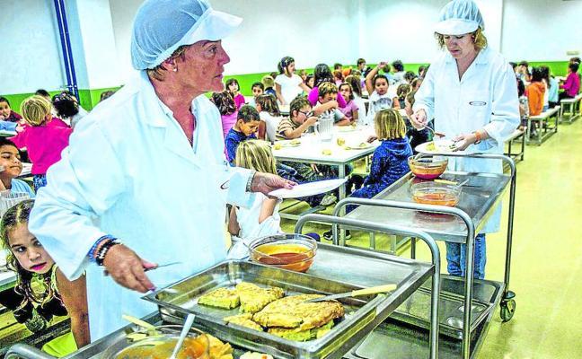 Las familias pagaron 570 de los 845 millones que cobró el cártel de comedores escolares