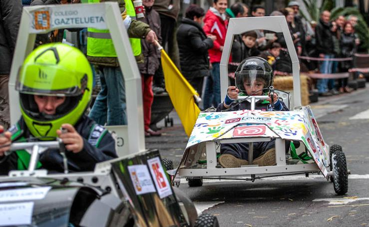 Coches eléctricos y pilotos infantiles