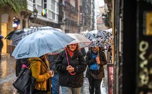 Las fuertes lluvias continuarán en Bizkaia toda la jornada de lunes