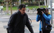 Ertzainas defienden su actuación en los registros del 'caso De Miguel'