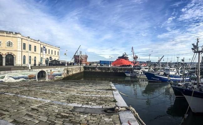 Santurtzi solicita el dragado del puerto pesquero para instalar un pantalán