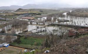Alerta sobre máxima crecida del río Ebro a su paso por la ciudad para la tarde de ayer