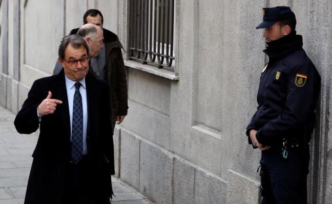 Llarena deja a Artur Mas libre sin fianza tras declarar en el Supremo