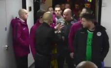Guardiola se encara con el técnico rival tras caer en la FA Cup ante el Wigan de la Ligue One