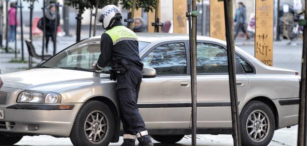 Urtaran ofrece una subida de 600 euros al año a la Policía Local de Vitoria para poner fin al conflicto