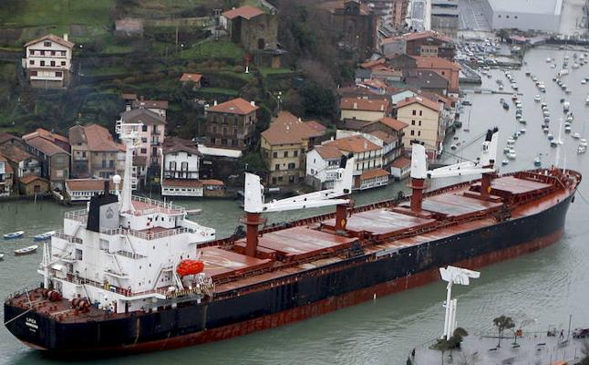 Pasaia languidece a la sombra del Puerto de Bilbao tras arrastrar 14 años de crisis