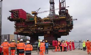 Desmantelando las viejas plataformas del Mar del Norte