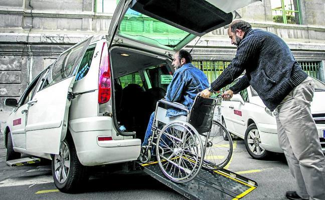 El cambio en el bono taxi deja sin ayuda a decenas de alaveses con discapacidad