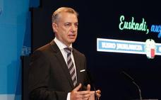 Urkullu pide el «compromiso» de sindicatos y patronal para evitar la «desigualdad intolerable» de la brecha salarial