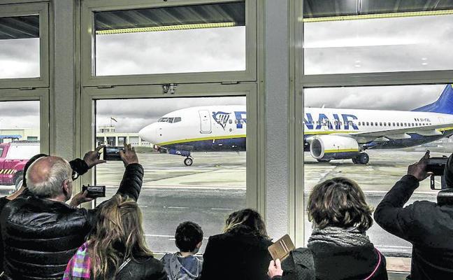 Ryanair anulará su vuelo desde Foronda a Colonia en noviembre para recuperarlo en primavera