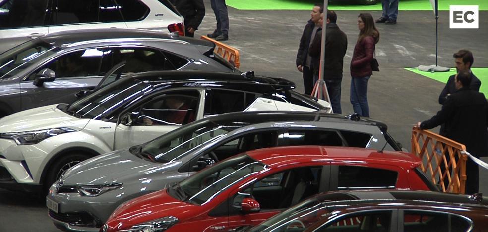 Los visitantes del BEC se suben a los coches eléctricos: «¡Casi van solos!»
