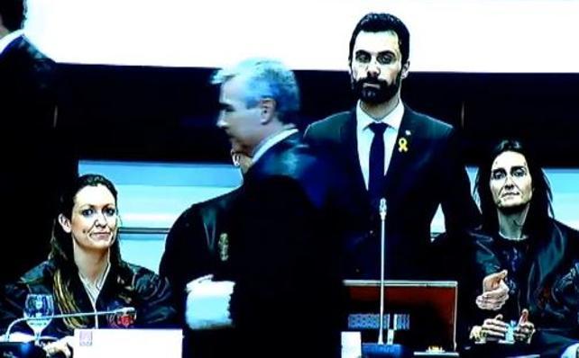 La cúpula judicial de Cataluña planta a Torrent por hablar de «presos políticos»