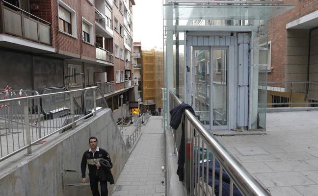 Santurtzi, a la espera del envío de una pieza para reparar un ascensor del Grupo Serantes