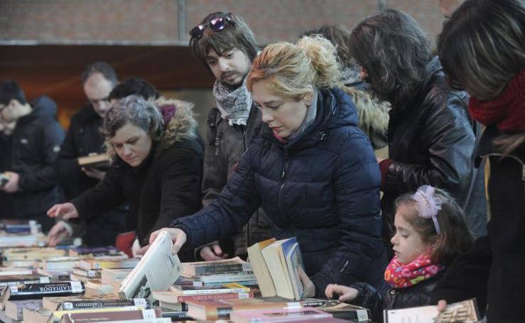 Feria de libros de segunda mano en Azkuna Zentroa