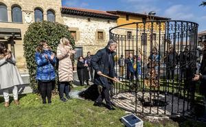 El robo de un retoño del Árbol de Gernika en Rivabellosa retrasa el acto en el que ha participado Urkullu