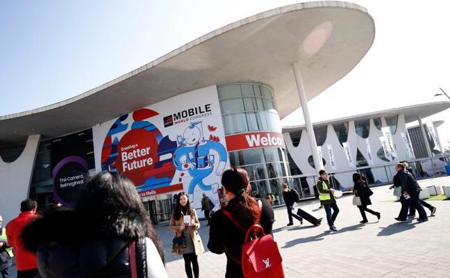 El Gobierno avisa de que «el desplante mezquino» de Colau al Rey pone en riesgo el congreso de móviles