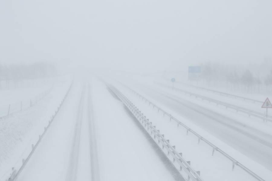 La nieve colapsa las carreteras alavesas