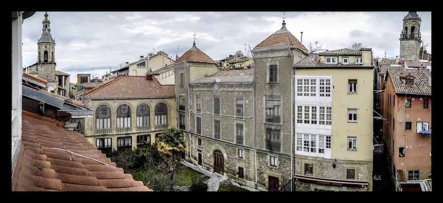 Media docena de vitorianos vive en el Palacio de los Álava-Esquivel