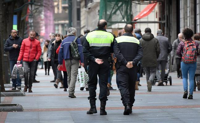 Aburto logra un acuerdo inédito con toda la oposición para la seguridad de Bilbao