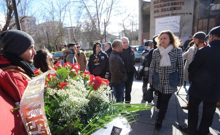 Vitoria vuelve a recordar el Tres de Marzo