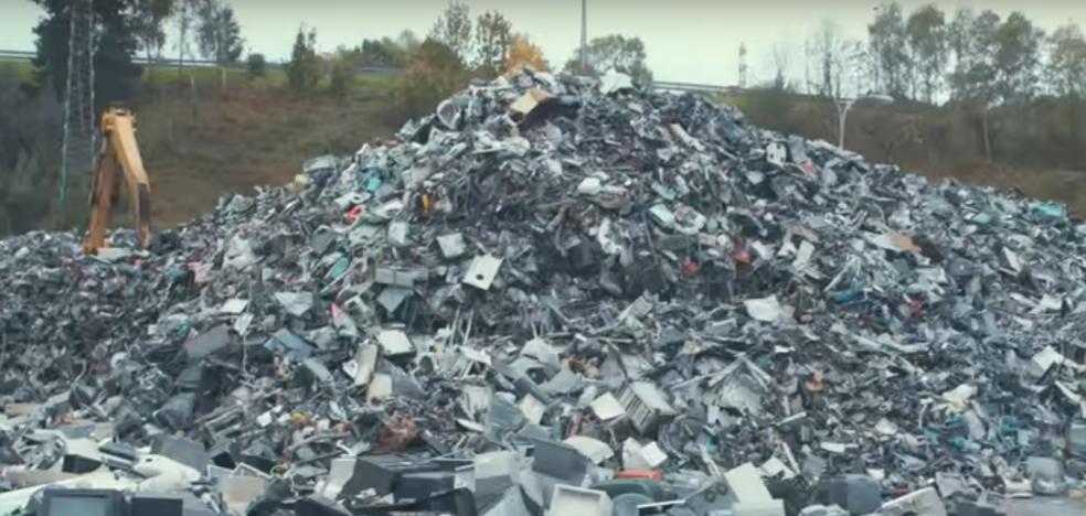 Una empresa de reciclaje de Erandio, investigada por deshacerse de material contaminante a martillazos