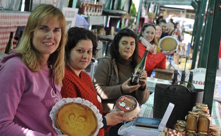 Feria de baserritarras en Ugao-Miraballes