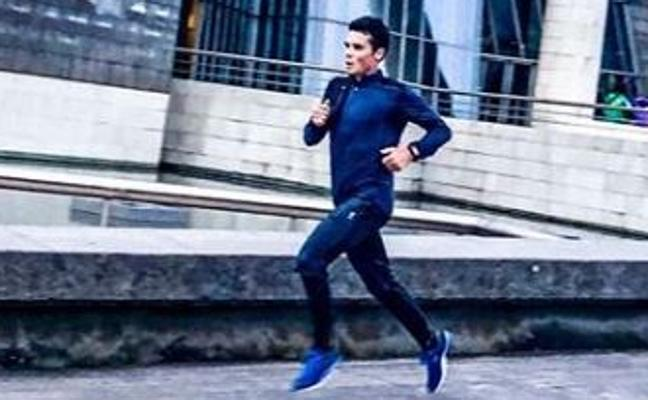 El triatleta Javier Gómez Noya entrena en Bilbao