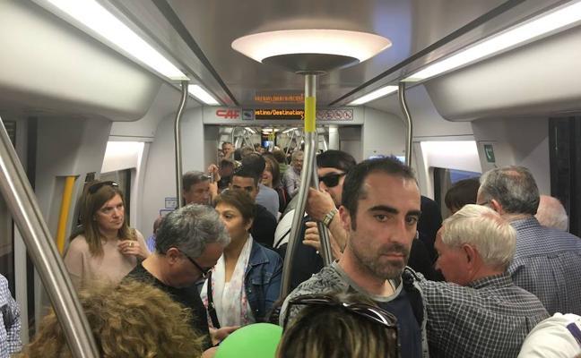La Línea 3 del Metro se queda sin servicio durante una hora por una avería