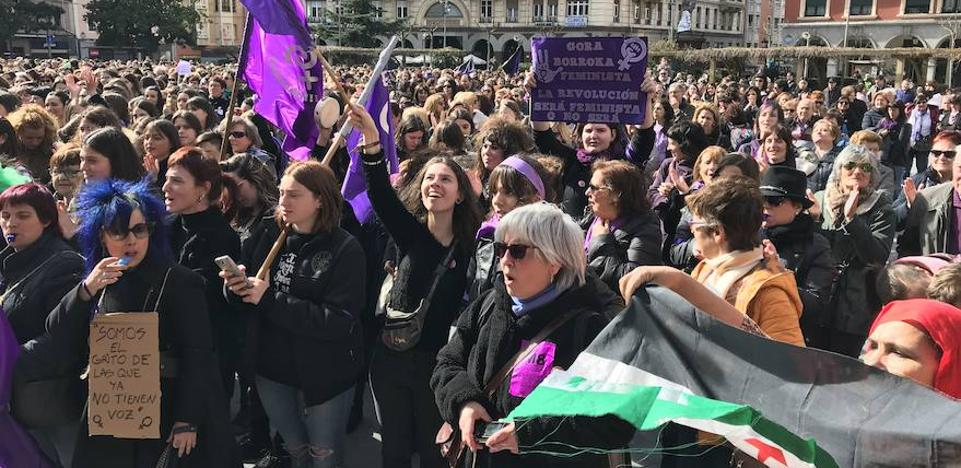 Las imágenes de la huelga del 8-M en Bizkaia