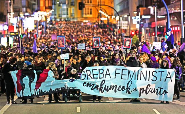 70.000 personas toman la calle en el 8-M en Vitoria