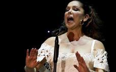 Isabel Pantoja se niega a devolver la medalla de Andalucía