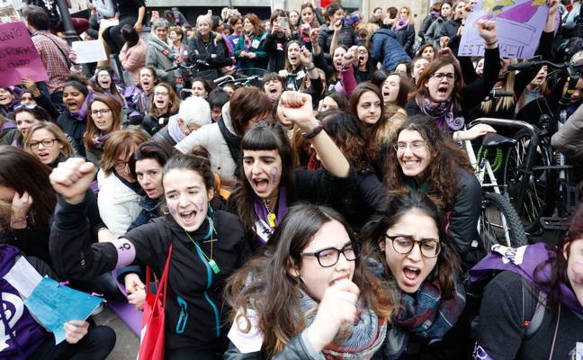 En el tsunami del feminismo