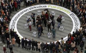 Urkullu, en el homenaje a las víctimas: «No sabemos si alguna vez ETA hará autocrítica, pero nosotros sí»
