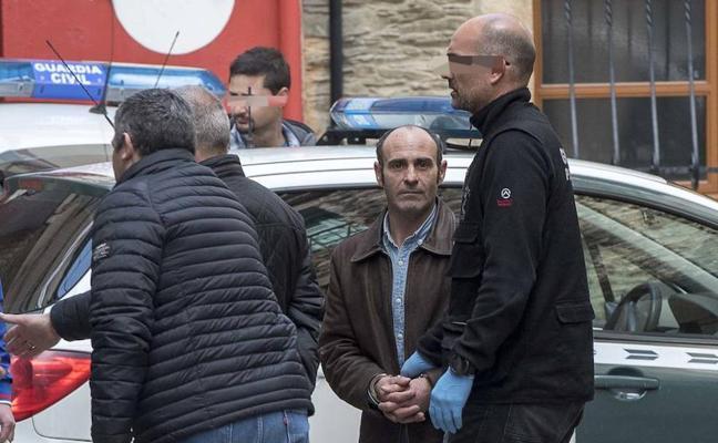 Recaban muestras en las viviendas del detenido por la muerte de Paz Fernández