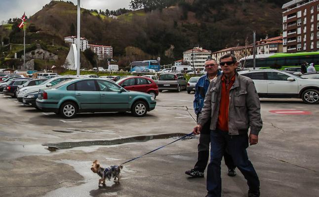 0ndarroa reclama que la nueva reordenación portuaria contemple su uso como parking