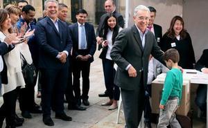 La derecha gana las legislativas en Colombia con un discurso contra el pacto de paz