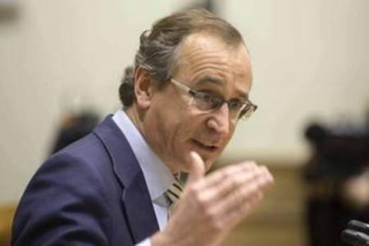 Alonso pide al PNV que rectifique su propuesta de derogar la prisión permanente revisable