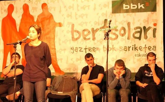 Jóvenes bertsolaris de la comarca se cuelan en la final de Bizkaia