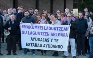 Vitoria condena la brutal agresión a una vecina de Sansomendi