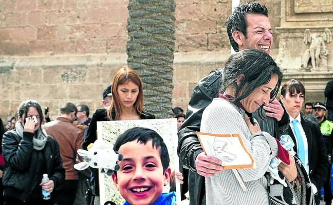 Los investigadores creen que Ana Julia mató a Gabriel porque le estorbaba en su relación con el padre