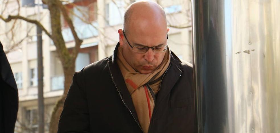 De Miguel conservaba los mails y registraba las citas de su extorsión a Ainhoa Alberdi