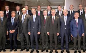 Urkullu ofrece la «estabilidad de Euskadi» a las grandes empresas de Cataluña y Madrid