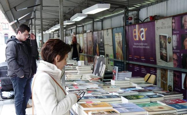 La feria del libro de Bermeo reúne a quince expositores
