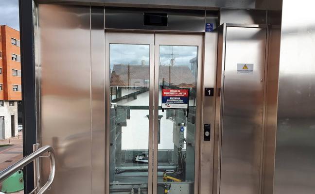 Piden que se arregle el ascensor de Murrieta, en Barakaldo, inaugurado hace cinco meses