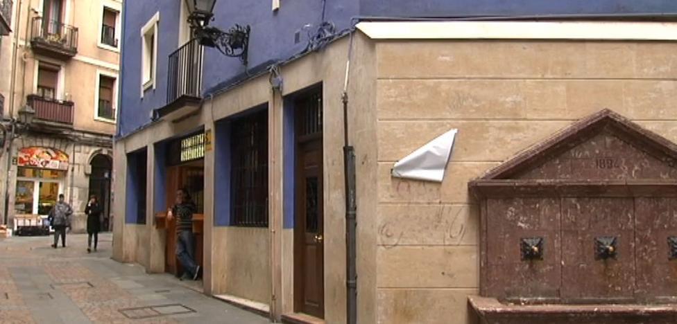Detenido el dueño de un bar del Casco Viejo por abusos sexuales a cinco camareras