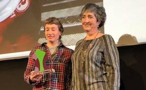 El Ayuntamiento de Galdakao entrega el segundo Premio Igualdad a Patri Espinar