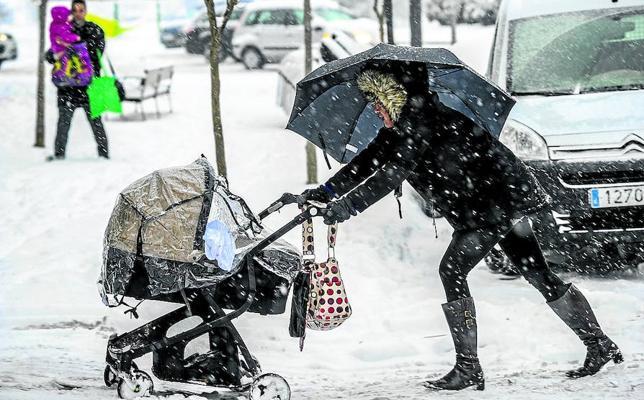 Nieve y frío en Álava para despedir el crudo invierno