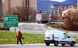 Fomento prevé reponer el asfalto de la rotonda de Rivabellosa después de Semana Santa