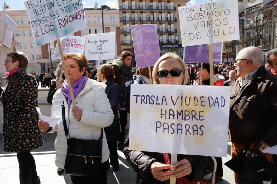 Los jubilados de Vitoria reclaman pensiones dignas