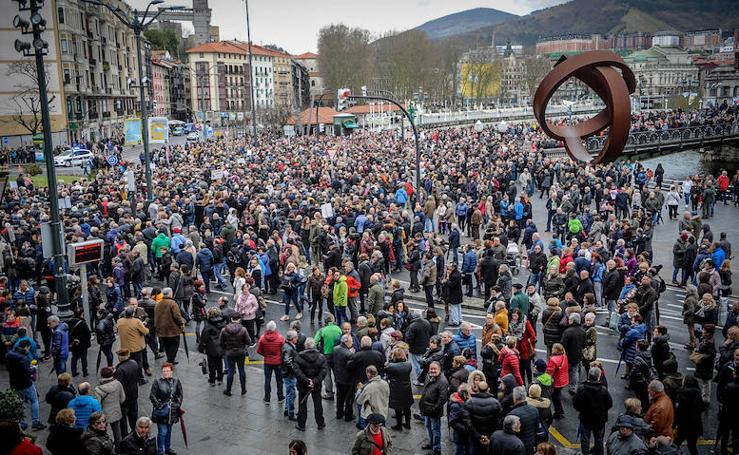 Multitudinaria manifestación en Bilbao por unas «pensiones dignas»